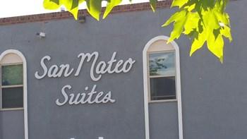 5001 San Mateo Lane NE Studio-1 Bed Apartment for Rent Photo Gallery 1