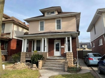 216 Elm Avenue 1 Bed Apartment for Rent Photo Gallery 1