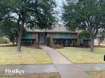 3941 Los Robles Drive 3 Beds House for Rent Photo Gallery 1