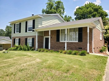 231 Foxcroft Drive 3 Beds House for Rent Photo Gallery 1