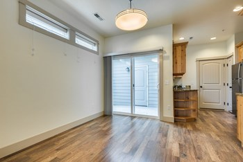2211 East Warm Springs Avenue 3 Beds Apartment for Rent Photo Gallery 1