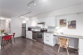 2837 St.George St E 2 Beds Apartment for Rent Photo Gallery 1