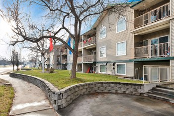 1114 S Kimball Ave 2 Beds Apartment for Rent Photo Gallery 1