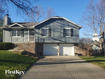 410 SW Pine Ridge Drive 3 Beds House for Rent Photo Gallery 1