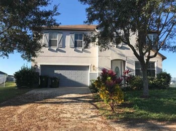 796 Lakeview Pointe Drive 4 Beds House for Rent Photo Gallery 1