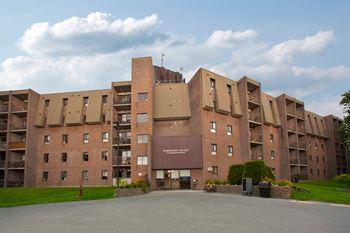 1020 Pembridge Crescent 1-3 Beds Apartment for Rent Photo Gallery 1