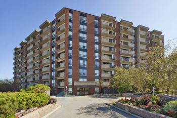 1300 Richmond Road 1-3 Beds Apartment for Rent Photo Gallery 1
