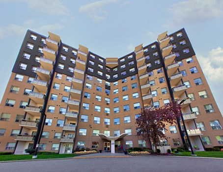 Fairway Towers Community Thumbnail 1