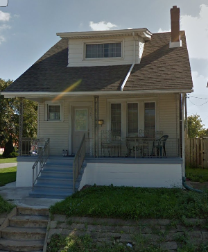 1321 Wyandotte Street West 5 Beds House for Rent Photo Gallery 1