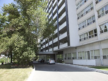 555 Sheppard Avenue West 1-2 Beds Apartment for Rent Photo Gallery 1