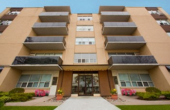 300 St. Clair Avenue West Studio-2 Beds Apartment for Rent Photo Gallery 1