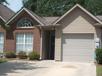 561 Cahaba Manor Dr 2 Beds House for Rent Photo Gallery 1