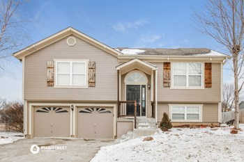 1502 Willow Dr 3 Beds House for Rent Photo Gallery 1
