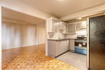 2070-2080 Avenue Papineau Studio Apartment for Rent Photo Gallery 1