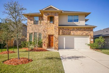 15703 Whispering Green Drive 4 Beds House for Rent Photo Gallery 1