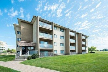 (0057) 10702-99 Avenue 2 Beds Apartment for Rent Photo Gallery 1