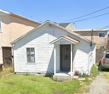 1537 Pine Ave. 1 Bed Apartment for Rent Photo Gallery 1