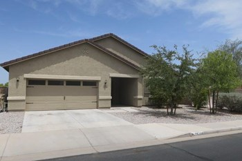 25184 W Park Ave 3 Beds House for Rent Photo Gallery 1