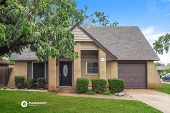 403 S HIGHLAND DR 3 Beds House for Rent Photo Gallery 1