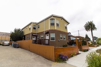 1425 Seventh Street 1-7 Beds Apartment for Rent Photo Gallery 1