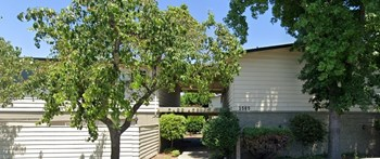1560 Adelaide St. #10 2 Beds Apartment for Rent Photo Gallery 1