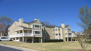 1405 Beaver Ruin Road 1-2 Beds Apartment for Rent Photo Gallery 1