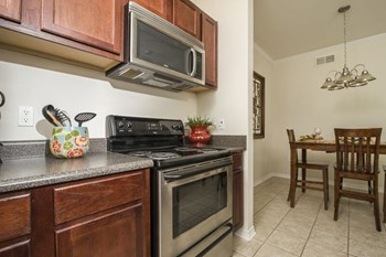 3500 Oak Harbor Blvd 1 Bed Apartment for Rent Photo Gallery 1