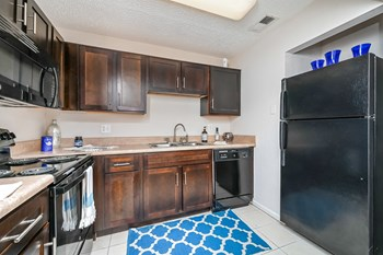 13401 Park Lake Dr Studio-2 Beds Apartment for Rent Photo Gallery 1