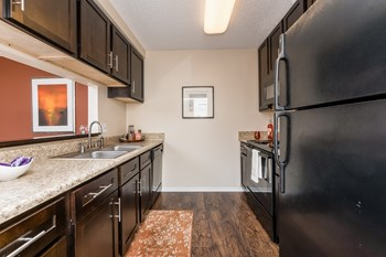 3350 West Hillsborough Avenue 1-2 Beds Apartment for Rent Photo Gallery 1