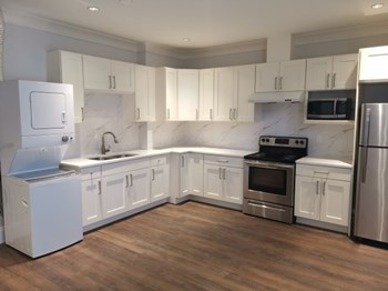 WL409: Lower- 747 West 61St Avenue 1 Bed House for Rent Photo Gallery 1