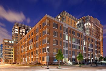 225 Grand Street Studio-2 Beds Apartment for Rent Photo Gallery 1