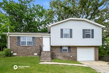 2721 7TH PL NE 3 Beds House for Rent Photo Gallery 1