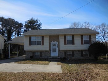 6321 Suitland Road 3 Beds House for Rent Photo Gallery 1
