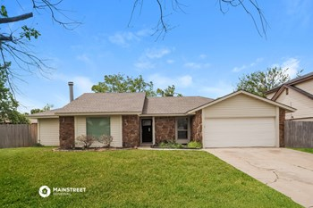 11235 DAVIS CT 3 Beds House for Rent Photo Gallery 1