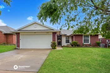 300 BRADGATE DR 3 Beds House for Rent Photo Gallery 1