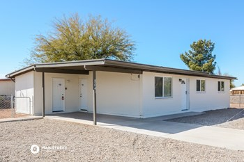 8641 E MORMON DR 3 Beds House for Rent Photo Gallery 1