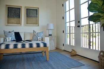 226 East De La Guerra Street Studio-1 Bed Apartment for Rent Photo Gallery 1