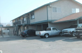 630-648 So. Dayton St. 2 Beds Apartment for Rent Photo Gallery 1