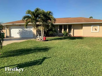 233 SW 38Th Street 3 Beds House for Rent Photo Gallery 1