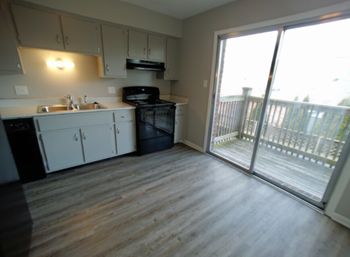 1345 W 2Nd St 2 Beds Apartment for Rent Photo Gallery 1