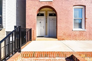 1428 W Clay St #2 3 Beds Homes for Rent Photo Gallery 1