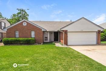 10508 NW 40TH ST 3 Beds House for Rent Photo Gallery 1