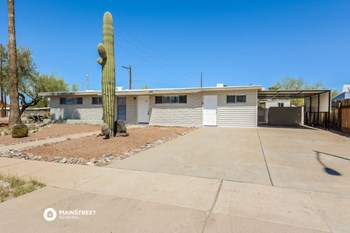 7101 E KINGSTON DR 4 Beds House for Rent Photo Gallery 1