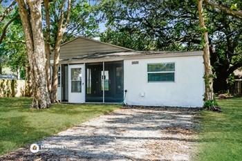 3025 W VAN BUREN DR 3 Beds House for Rent Photo Gallery 1