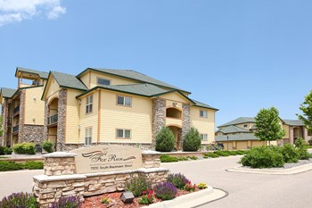 7200 South Blackhawk Street 1-2 Beds Apartment for Rent Photo Gallery 1