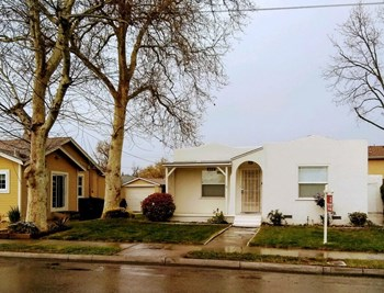 455 W Lowell Ave 2 Beds House for Rent Photo Gallery 1
