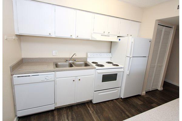 Kitchen 2   Avesta Baymeadows Jacksonville Apartments Fl