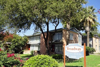 6601 Broadway 2 Beds Apartment for Rent Photo Gallery 1