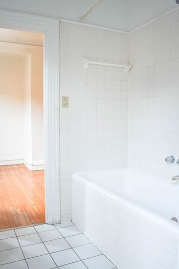 5610 Elmer Street 1-3 Beds Apartment for Rent Photo Gallery 1