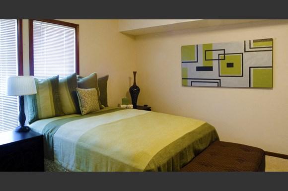 Bristol Square Apartments 3110 1 2 N 97th Street Omaha Ne Rentcaf